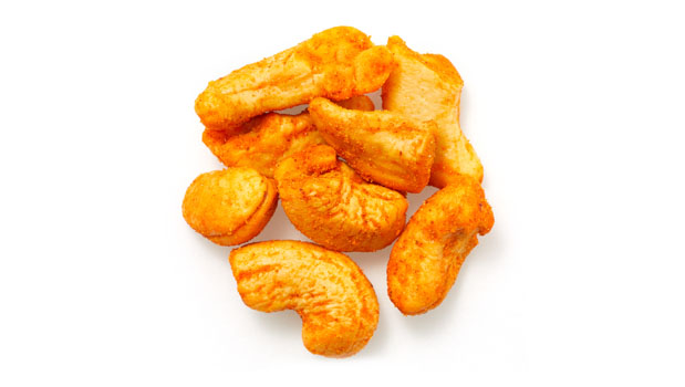 Cashews, salt, spices, sugar, whole wheat flour, yeast extract autolized, monosodium glutamate, hydrolyzed vegetable protein, dextrose, hydrogenated vegetable oil, artificial colors, dehydrated tomatoes,  smoke flavor, caramel, citric acid, silicon dioxide, canola oil non-hydrogenated, torula yeast.