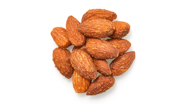 Almonds, salt, yeast, soy protein and hydrolyzed corn, monosodium glutamate, dextrose, smoke flavor, yeast extract, caramel, onion powder, spices.