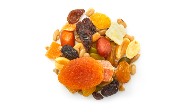 Golden raisins (raisins, vegetable oil (palm), sulphites), sultana raisin (raisin, vegetable oil (palm)), dried apricots (apricots, sulphites), red skin peanuts (peanuts, non-hydrogenated canola oil), blanched peanuts (peanuts, non-hydrogenated canola oil), roasted sunflower seeds (sunflower seeds, non-hydrogenated canola oil), dried pineapple (pineapple, cane sugar, sulphites, citric acid), papaya (papaya, cane sugar, sulphites, calcium chloride, citric acid, tartrazine, Sunset Yellow FCF ), almonds, pumpkin seeds.