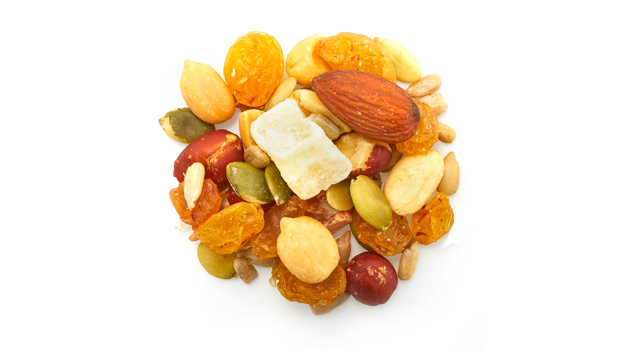 Roasted red skin peanuts, roasted blanched peanuts, golden raisins, roasted sunflower seeds, pineapples, papayas, pumpkin seeds, almonds, non-hydrogenated canola oil, vegetable oil, sulphites, cane sugar, citric acid, calcium chloride, tartrazine, sunset yellow FCF.