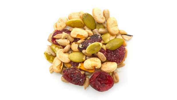 Raw pumpkin seeds, cranberries (cane sugar, sunflower oil), soya beans roasted no salt (soybeans, soybean oil), sunflower seeds roasted with salt (non-hydrogenated canola oil, salt).