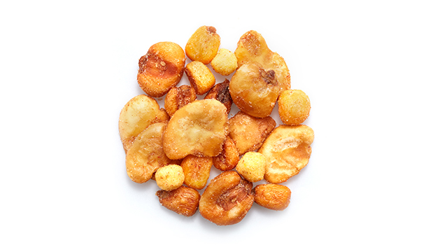 Toasted corn BBQ (corn, palm oil, salt, barbecue flavour (onion, garlic, paprika, sea salt, maltodextrin, monosodium glutamate)); BBQ Valencian broad beans (broad beans, vegetable oil, salt, barbecue flavor); BBQ corn balls (corn grits, rice, sugar, sunflower oil, barbecue flavour (maltodextrin, salt and flavor enhancers: monosodium glutamate and sodium inosinate), salt); BBQ giant corns (corn, vegetable oil, salt, barbecue flavor).