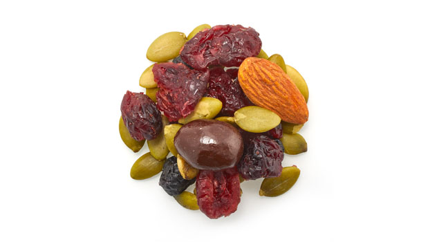 Cranberries, pumpkin seeds, almonds, blueberry, inca berries, sugar, sunflower oil, semi-sweet dark chocolate (sugar, chocolate liquor, cocoa butter, alkalized chocolate liquor, soya lecithin, vanilla, salt, artificial flavor), confectioner's glaze, arabic gum.