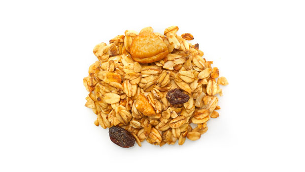 Oats, honey, canola / sunflower oil, raisins (vegetable oil), sunflower seeds, almonds, cashews.