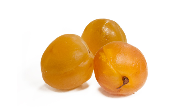 Apricots, glucose-fructose syrup, sucrose, citric acid, sulfur dioxide (as residue).
