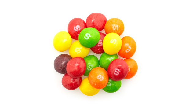 Sugar, corn syrup, partially hydrogenated soybean oil, fruit juice from concentrate (grape, strawberry, lemon, lime, orange), acid citric, dextrin, natural and artificial flavors, gelatin, food starch-modified, colorants (includes Yellow 6 Lake, Red 40 Lake, Yellow 5 Lake, Blue 2 Lake, Blue 1 Lake, Yellow 5, Red 40, Yellow 6, Blue 1), ascorbic acid.