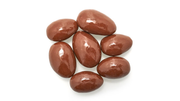 Chocolate coating (maltitol, cocoa butter, chocolate liquor, sodium caseinate [milk], anhydrous milk fat, soy lecithin [an emulsifier], natural flavor, vanilla, salt), almonds, maltitol, tapioca dextrin, confectioner's glaze.